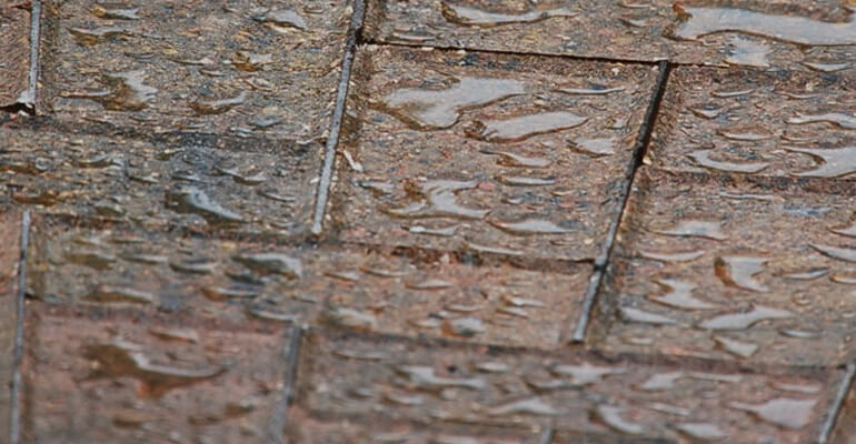 Easy Tips for Maintaining Paving Stones